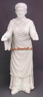 Ist Stets Gern Zu Diensten by Oma Zum Selber Lackieren Figur Statue Skulptur Kaufen