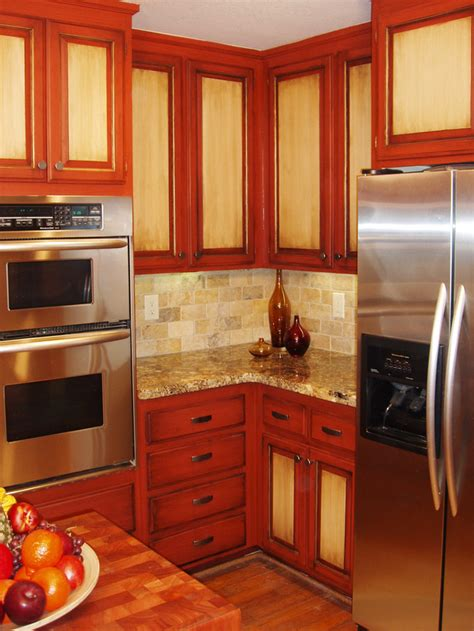 Two Tone Painted Kitchen Cabinets | how to paint kitchen cabinets in a two tone finish how