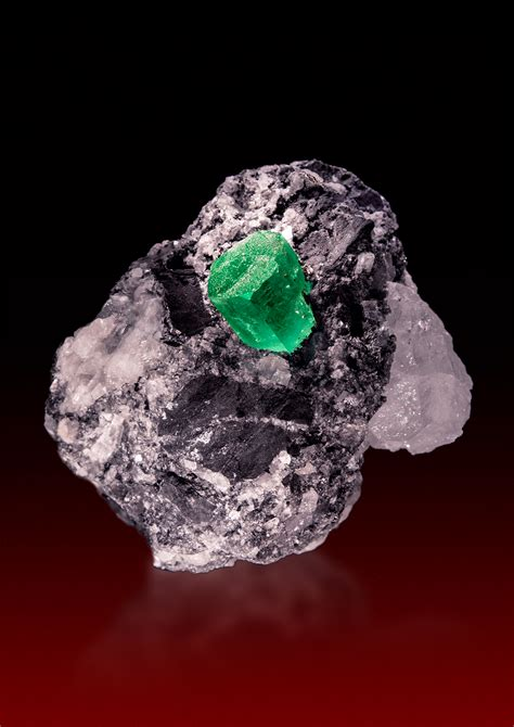 Emerald Columbia 2 saphira minerals