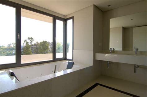 Badewanne Am Fenster eingelassene badewanne 41 tolle designs archzine net