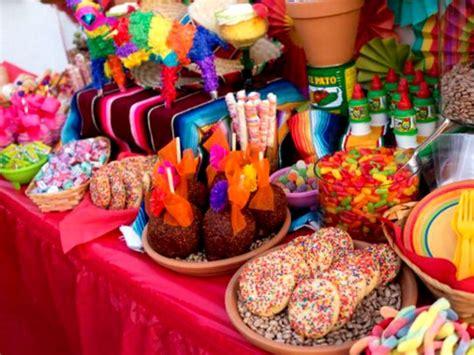como hacer arreglos para mesa de dulces decoracion de mesa de dulces mexicanos cocinadelirante
