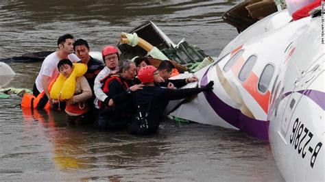 duck boat escape routes how to increase your survival chances in a plane crash cnn