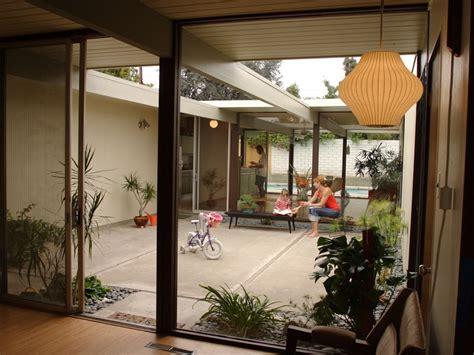 patios interiores patios interiores peque 241 os ideas para una decoraci 243 n
