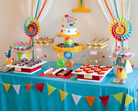decorare tavola compleanno favoloso decorazioni tavolo compleanno gt57 pineglen