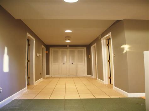 paint colors for hallways