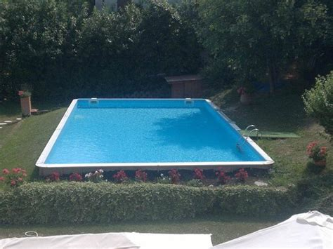 solarium pavia giardino con piscina e solarium foto di albergo