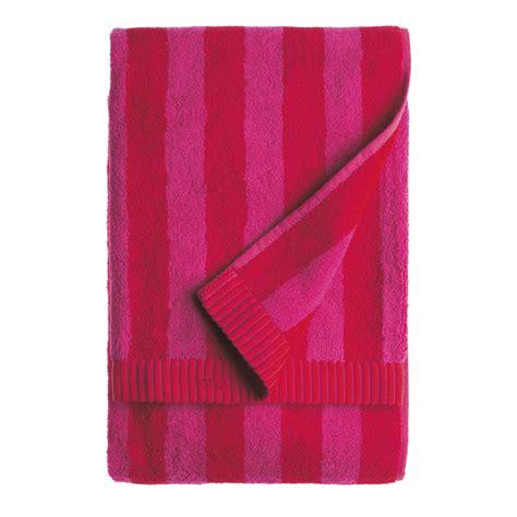 red towels bathroom marimekko nimikko red fuchsia bath towel marimekko
