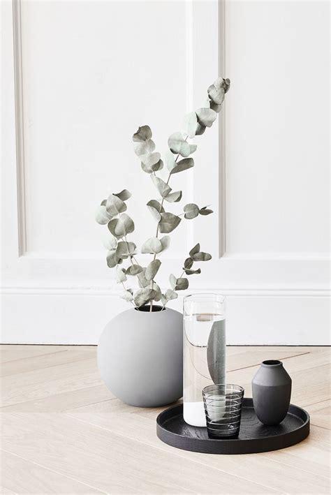vase mit blumen 495 best blumen vasen images on