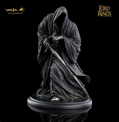 film seri lord of the rings lord of the rings statue ringwraith the movie store