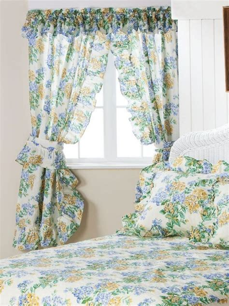 priscilla curtains bedroom 1000 ideas about priscilla curtains on pinterest ruffle