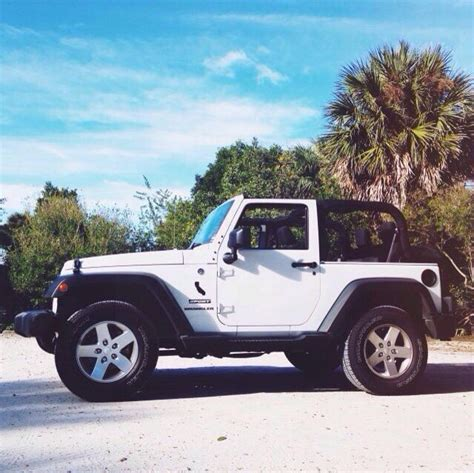 jeep rubicon white with black rims white jeep rubicon 4 door with black rims starwood motors