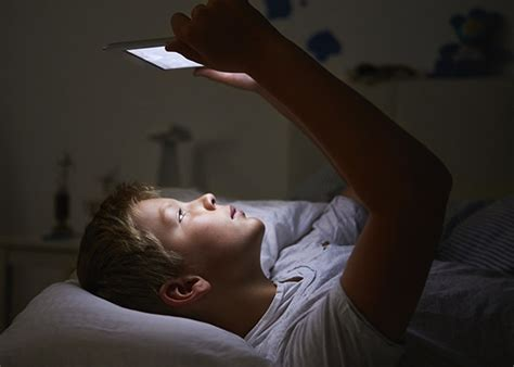 new year sleep late sleep cycles why do some stay up late and others