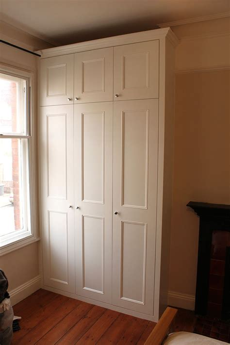 fitted bedroom companies 25 best ideas about classic fitted wardrobes on pinterest