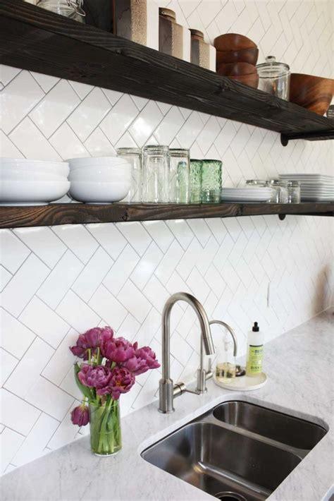 kitchen tile backsplash patterns best 25 herringbone subway tile ideas on