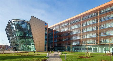 De Montfort Leicester Mba by Apic Uk Limited