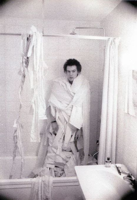 bathroom sexi stars in the bathroom joan collins iggy pop james dean