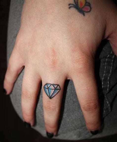 35 small tattoos for girls which looks really cute
