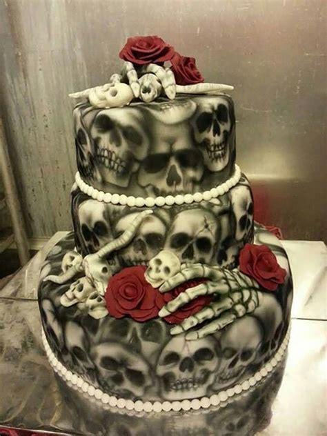 Hochzeitstorte Totenkopf by 23 Wedding Cakes Chwv
