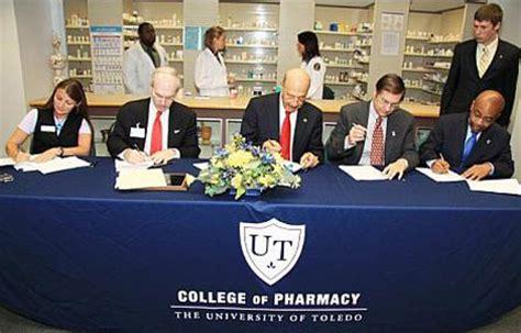 Of Toledo Pharmd Mba by Lau News Lau School Of Pharmacy Signs Partnership