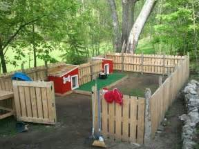Dog Runners For Backyards Backyard Dog House Area Made Of Pallets Would Be A Good