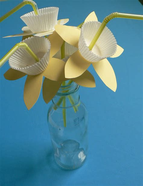 Paper Straw Crafts - how to paper daffodil straws bless this mess