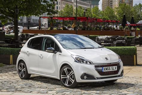 used peugeot prices peugeot 208 hatchback from 2012 used prices parkers