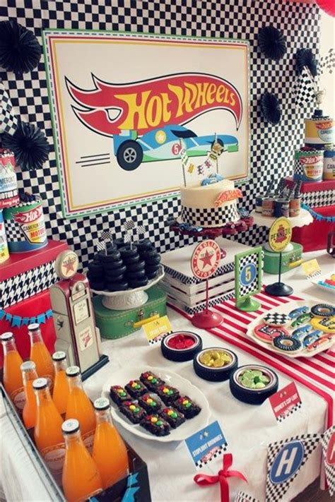 hot car themes m 225 s de 1000 ideas sobre cumplea 241 os de hot wheels en