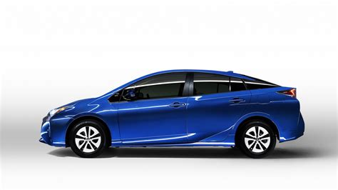 official 2016 toyota prius promises to be 10 more