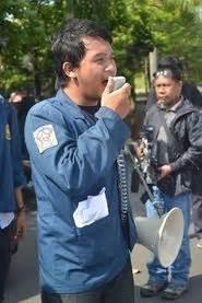 Guruh Sukarno Putra Bung Karno Penyambung Lidah Rakyat Indonesia Kaset gmni fisip undip gmni fisip undip