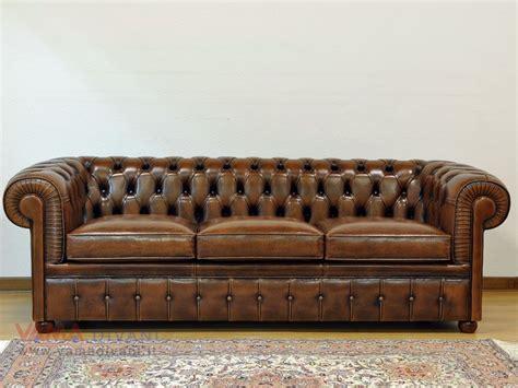 divani pelle invecchiata divano chesterfiel 3 posti in pelle vintage chesterfield