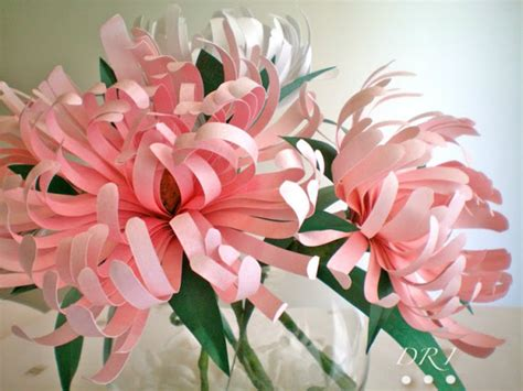 Easy Handmade Flowers - easy crafting paper flowers to dress up your wedding day