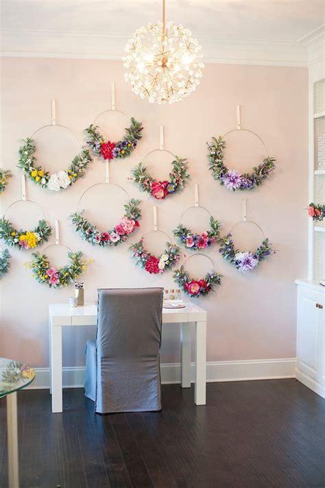 modern summer dalieha  ranunculus wreathhoop