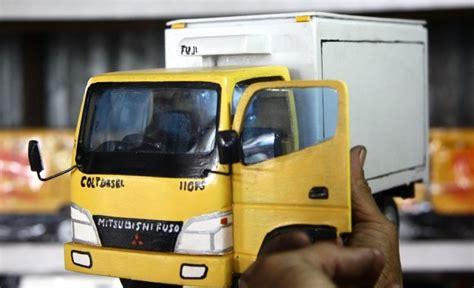 3014t Mainan Mobil Truk Tangki Air pengrajin manfaatkan limbah kayu jadi mainan jowonews