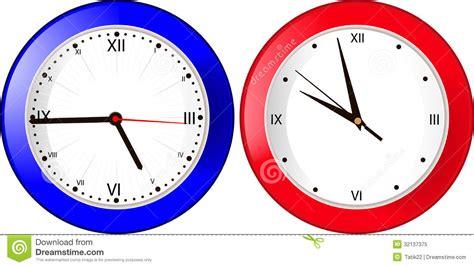 horloge murale bleue horloge murale bleue et photo libre de droits image 32137375