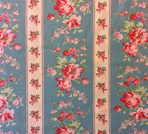 We107 Country Chic French Floral Shabby English Garden Shabby Chic Quilt Fabric