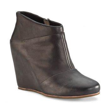 ugg carmine ankle boots leather wedges charles clinkard