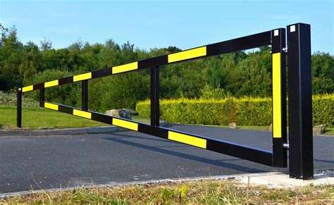 manual swing gate heavy duty manual gates barricade uk
