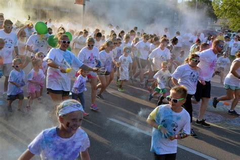 the color run columbus new run adds colorful to columbus days local