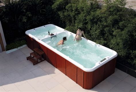 spa con piscina in piscina de hidromasaje swim spa at 004