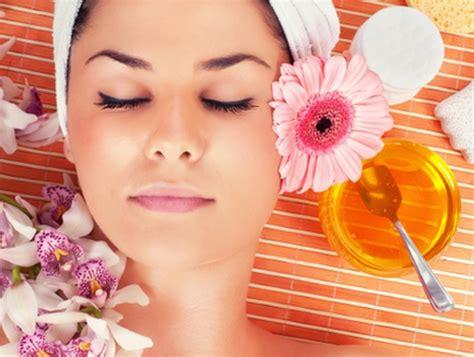 Perawatan Wajah Di perawatan wajah alami aman tanpa masalah