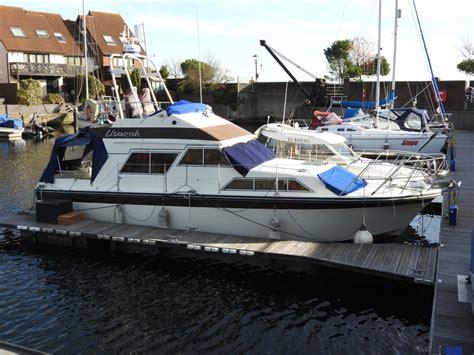 ebay boats diesel 1981 fairline sedan 32 flybridge twin diesel motor boat ebay