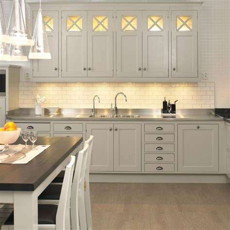Light Kitchen Cabinets Lighting For Kitchen Cabinets