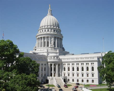 wisconsin state capitol budget debate ends with evacuation