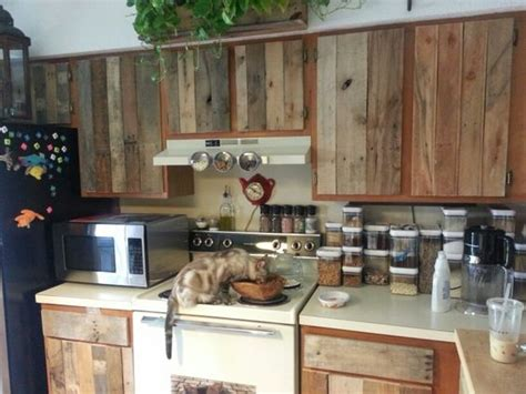 Refacing Kitchen Cabinets Diy by Diy Cabinet Refacing With Pallet Board Things To