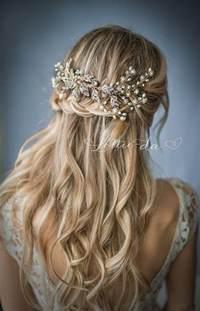 Amazing Lela Rose Wedding Dress #6: Boho-floral-hairdos.jpg