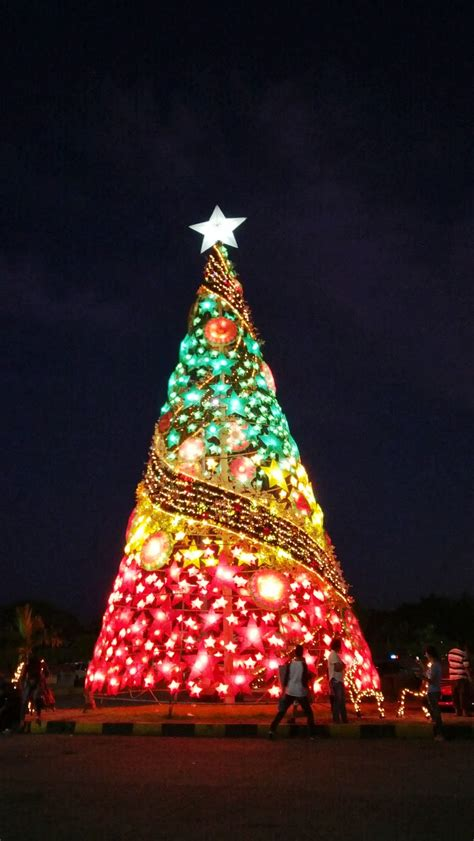 christmas tree in tagalog it s time in the city most beautiful trees in the philippines the