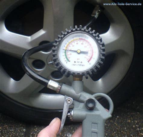 Luftdruck Auto by Die Fahrzeuge Werden Reifendruck Auto