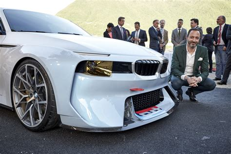 bmw concept 2002 bmw 2002 hommage concept reshapes a legend carscoops
