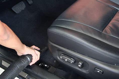 lavare interni auto pulizia interni auto manutenzione automobile