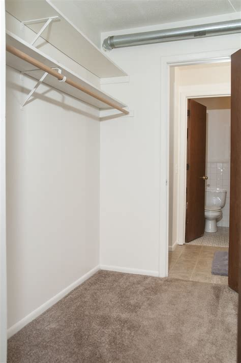 Closet Park by Fountains In The Park Rentals Park Mn Apartments
